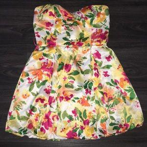Floral strapless dress Forever 21